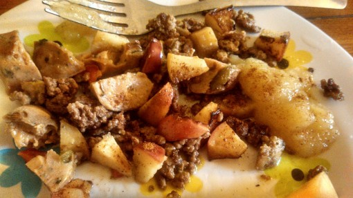 Finished product 1: groundbeef and apple skillet for breakfast.